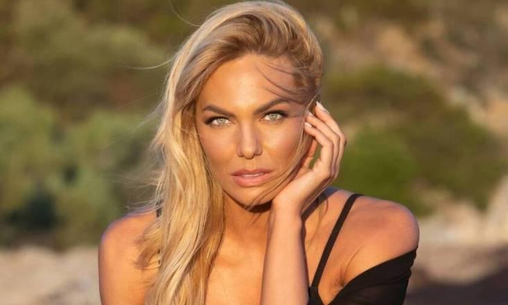 Ιωάννα Μαλέσκου: Η γνωστή παρουσιάστρια ποζάρει με μαγιό και ... ρίχνει το Instagram (ΦΩΤΟ) - Politispress - Η έγκυρη ενημέρωση online